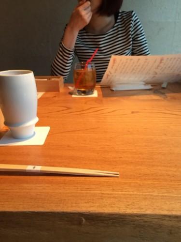 年上の女性と食事
