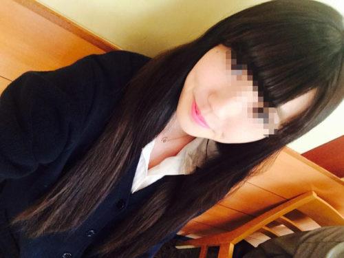 女子高生の自撮り画像