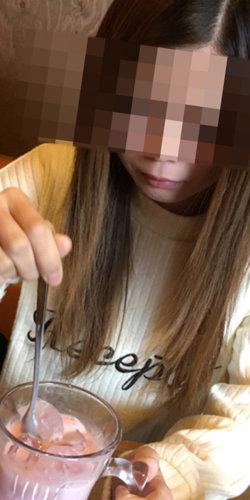 神戸で会った出会い系サイトの風俗嬢とカフェに行った画像