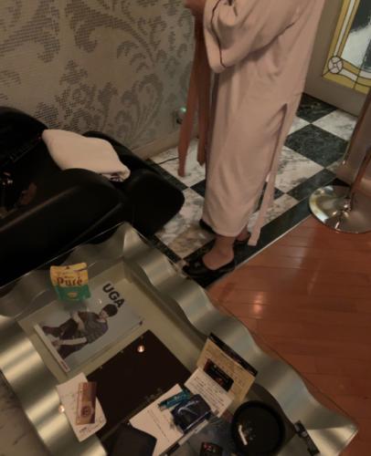 人妻のバスローブ姿の写真